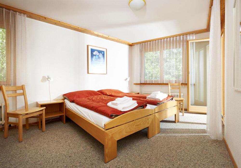 חדר שינה בכפר הנופש הסליברג