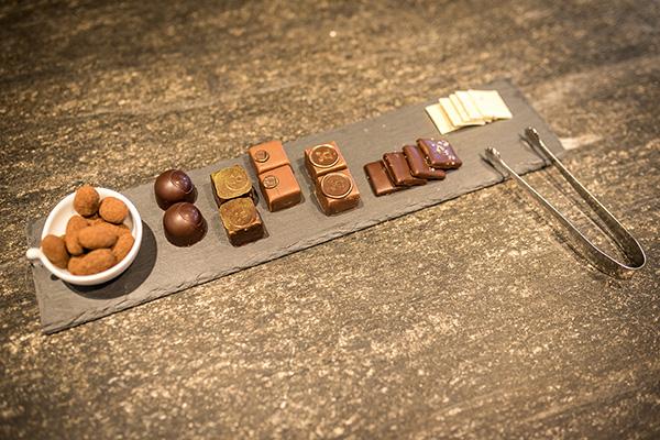 טעימות שוקולד במפעל מקומי באזור לוצרן