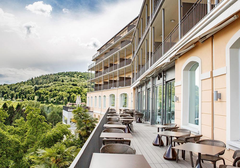 מרפסת מלון קורהאוס קדמאריו בלוגאנו