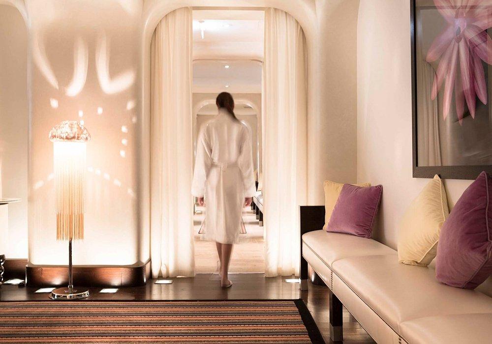 בדרך לטיפול חדר הכושר במלון ספא לה רזרב בלוזאן - אגם ז'נבה