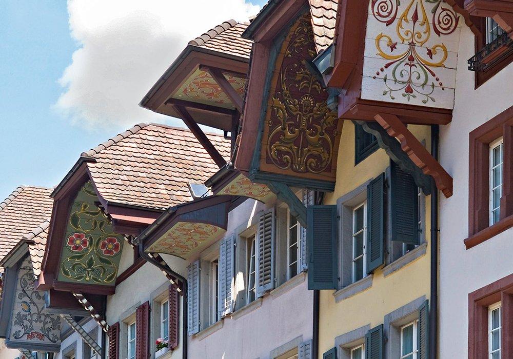 בתים צבעוניים ברובע הישן של לוצרן