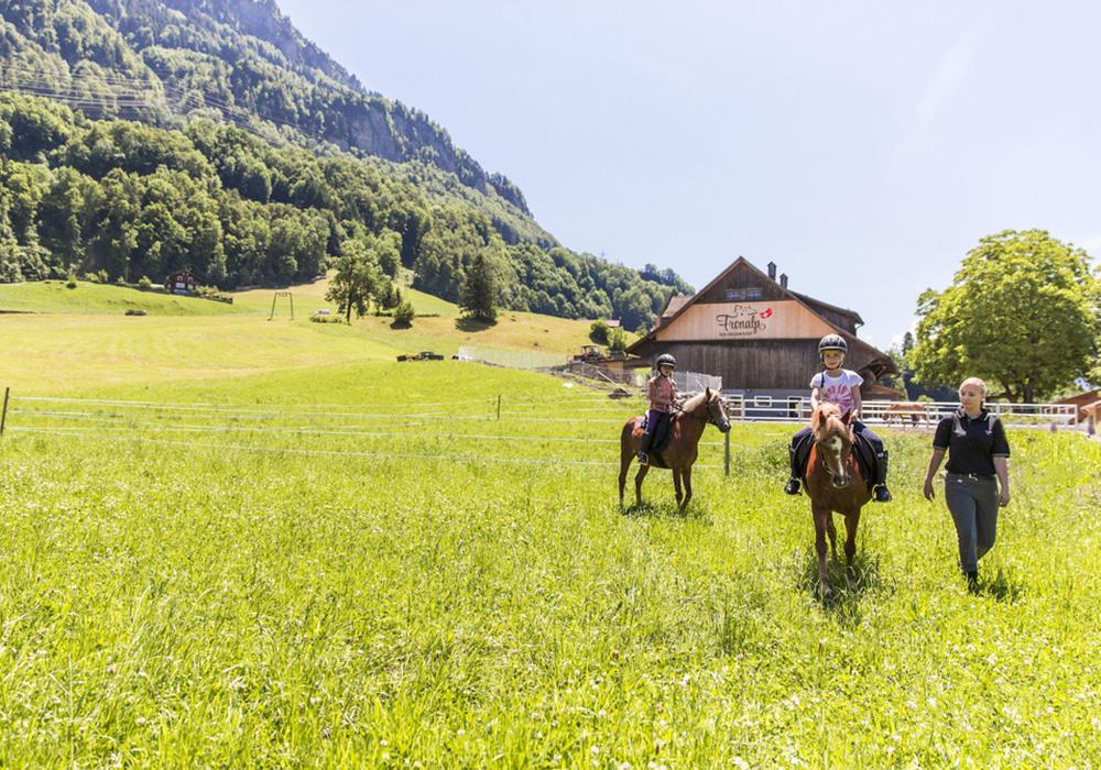 רכיבה על סוסים בכפר הנופש מורשאך