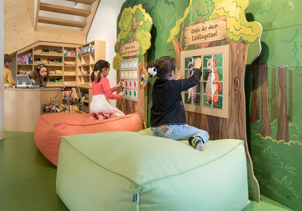 משחקיית ילדים בכפר הנופש פראדס