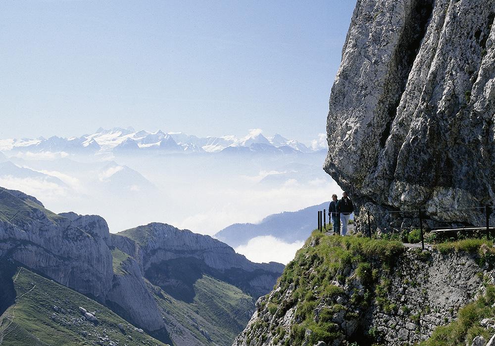 מטייל באזור הר פילאטוס