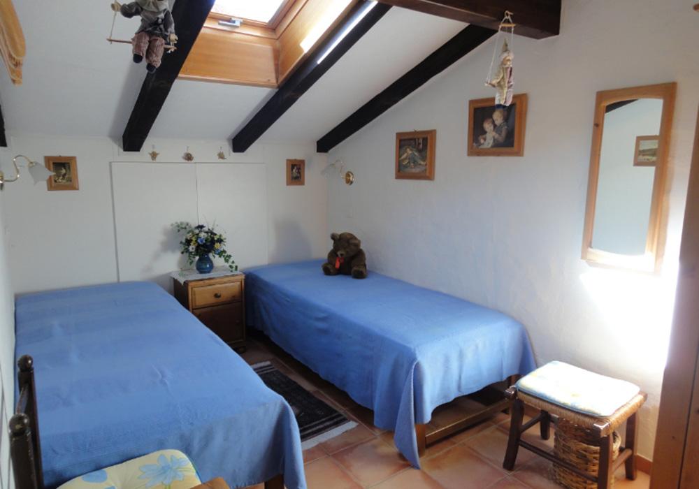 מיטות נוער בדירה בכפר הנופש סורג'יו