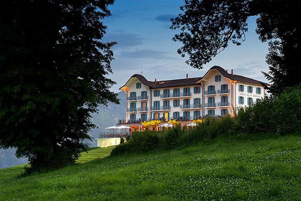 מלון בוטי וילה הונג מול אגם לוצרן