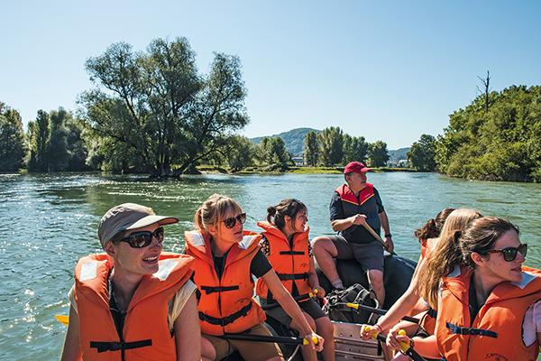 נשים בטיול ראפטינג בנהר הלימאט