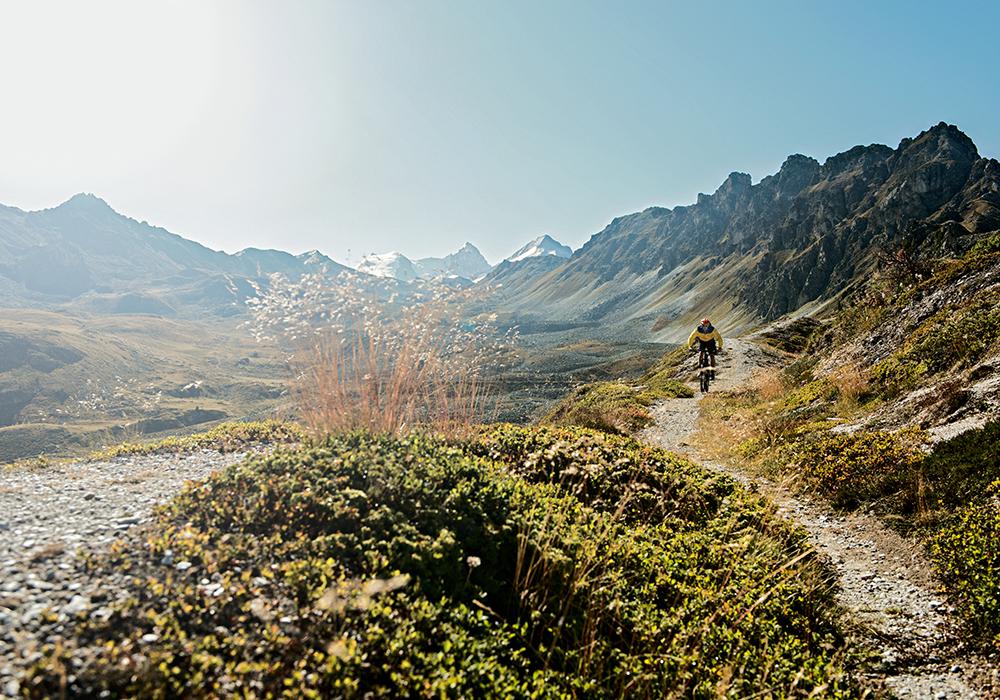 רוכב שטח הררי באזור סן לוק