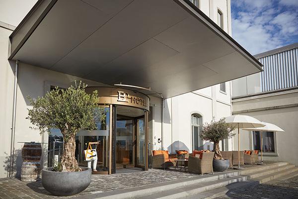 חזית הכניסה אל מלון B2 בציריך