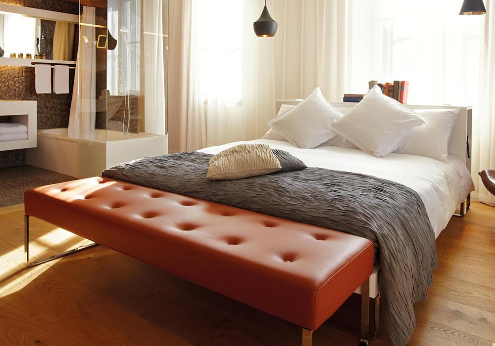 מיטה בחדר במלון B2 בציריך
