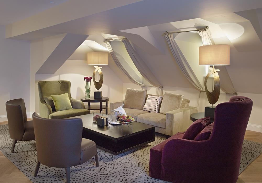 חדר ישיבהבמלון שווייצרהוף בברן