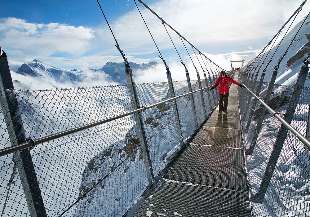 הגשר התלוי בראש פסגת הר טיטליס