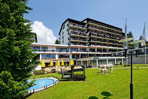 חזית מלון ויקטוריה בוילאר