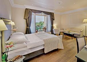 חדר במלון גרנד הוטל במונטרה