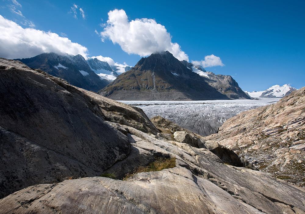 מבט על קרחון אלטש והיונגפראטוך