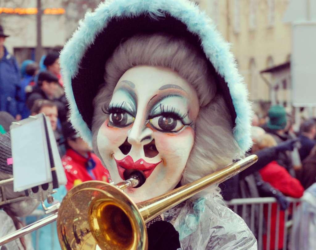 אלטי דנטה, אחת הדמויות המסורתיות של הקרנבל